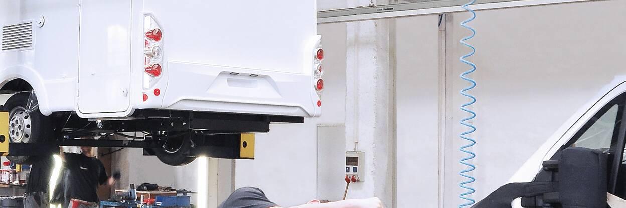 特种车辆改装胶带,适用于商用和特种车辆(例如卡车、休旅车以及应急、农业和施工车辆)的创新胶带解决方案。